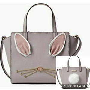Kate Spade bunny tail pom pom mini bag 🐰 🐰